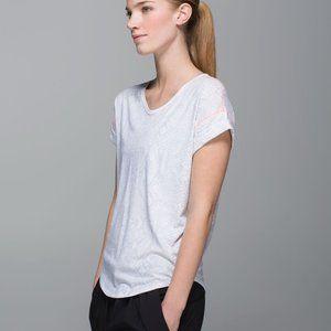 Lululemon Weekend Short Sleeve Shirt GUC